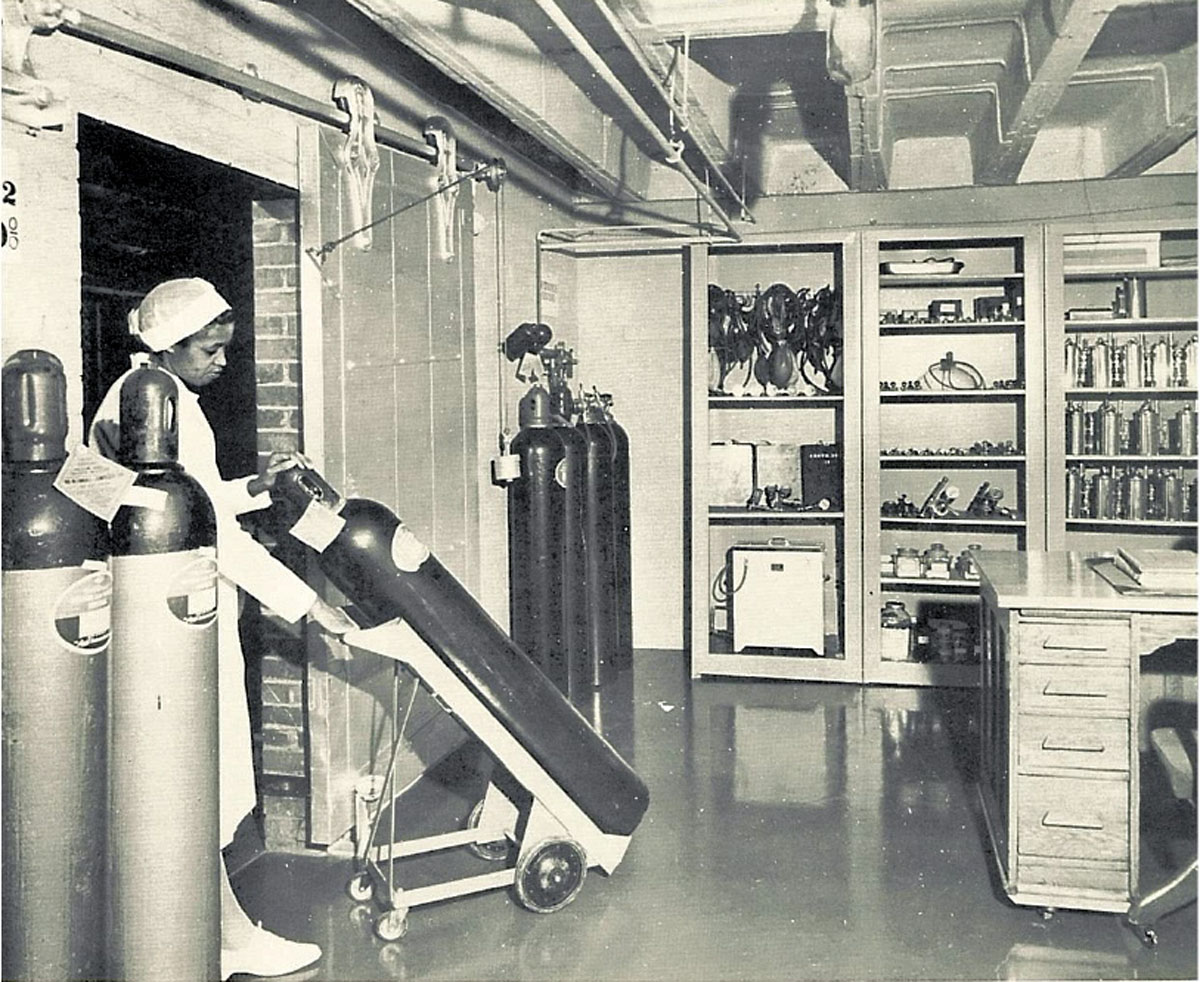 1951 Oxygen Therapy Department