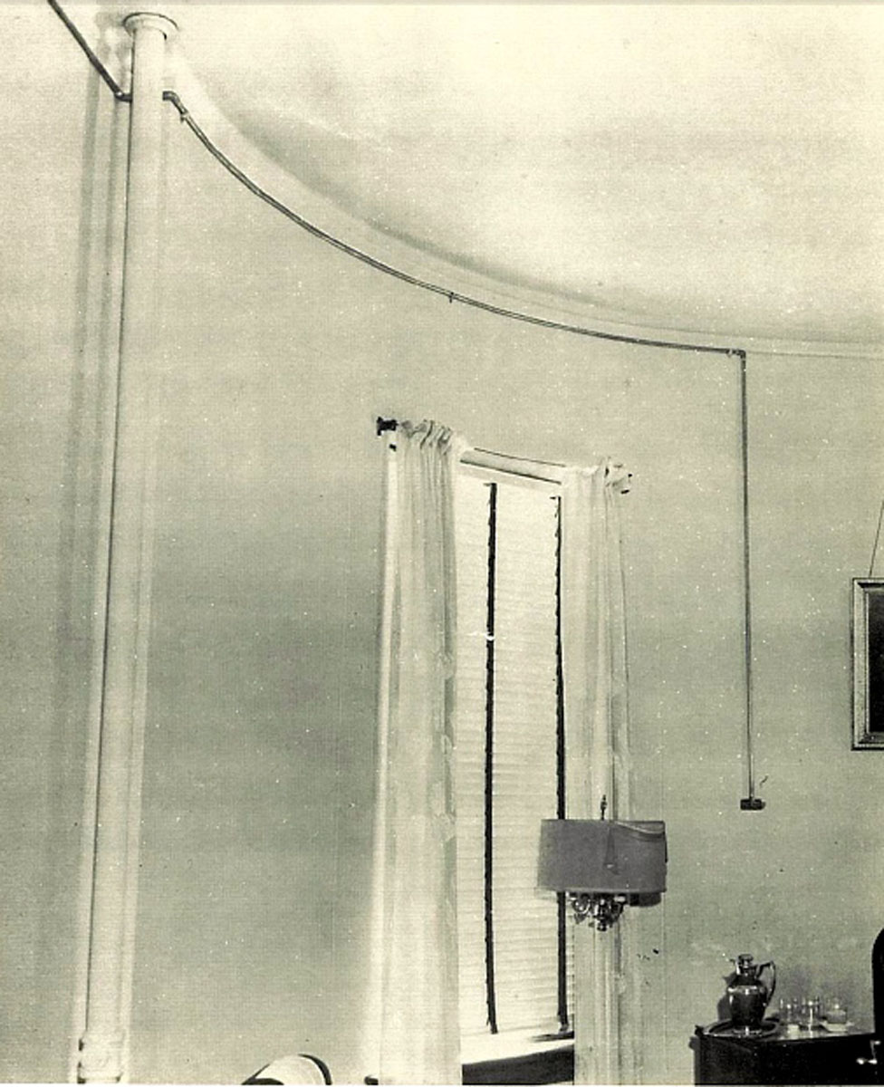 1951 Piped-In Oxygen in a Patient Room