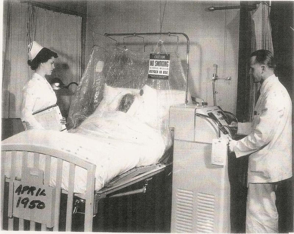 1950 Oxygen Tent
