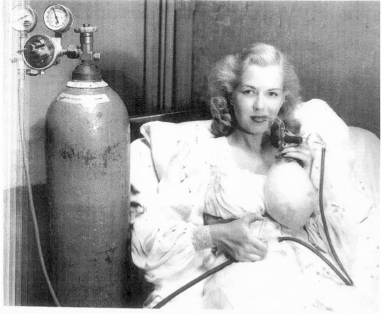 1940s Glass Nebulizer