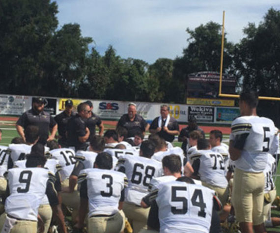 Bishop Moore Hornet Football (FL) pulls out a 2-day nail-biter, 35-34