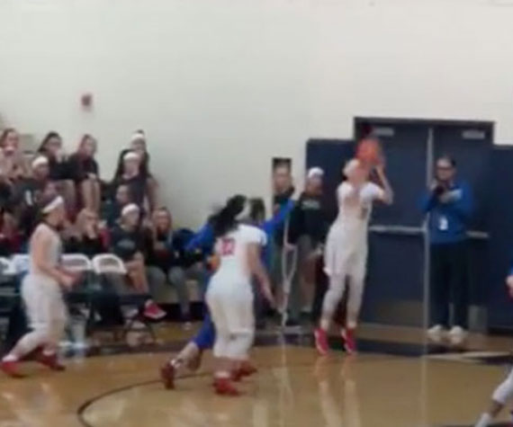 Buzzer beater lifts Clackamas (OR) over LaSalle Catholic