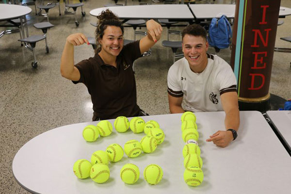 Roger Bacon (OH) Twins earn most home run record by a brother/sister duo