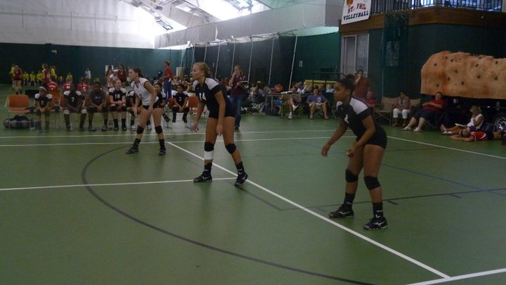Varsity Volleyball Shows Well at First Tournament