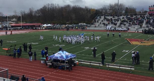 Eisenhower Varsity Football falls to Cass Tech 32-28