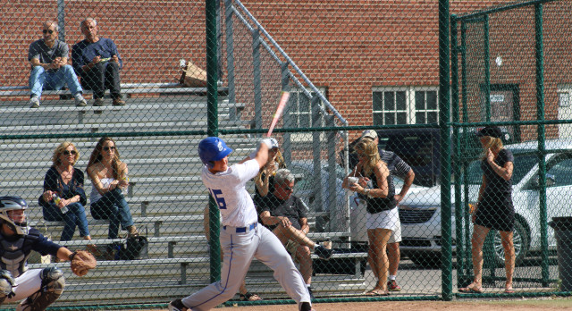 Eisenhower Varsity Baseball beat Grosse Pointe South High School 5-4