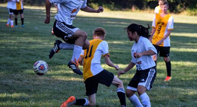 Soccer Defeats Parkway 6-4