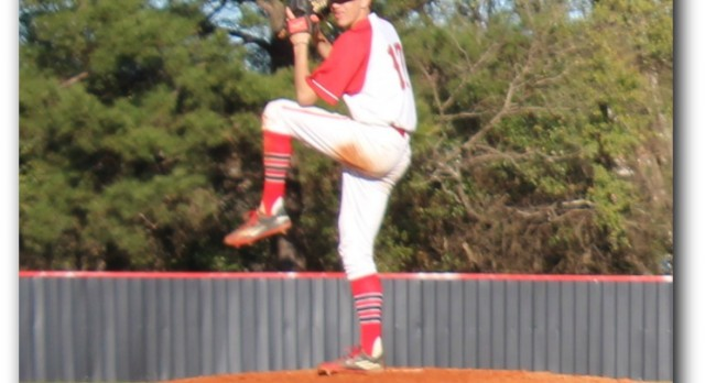 Hawks Baseball Ends Scrimmage With 3-3 Tie