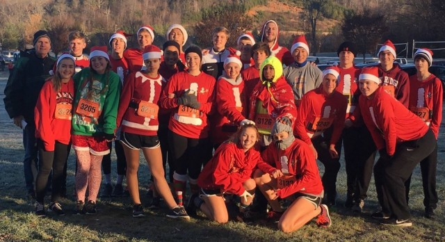 ORHS Soccer Participates in the Rockin Santa 5K