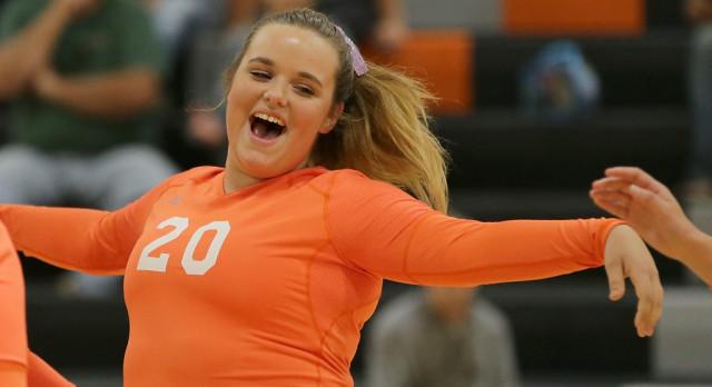 Mineral Ridge High School Girls Varsity Volleyball beat Campbell Memorial High School 3-0