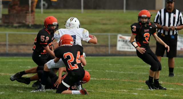 Mineral Ridge Middle School Football falls to Lowellville Local High School 14-0