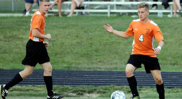 Mineral Ridge High School Boys Varsity Soccer falls to Maplewood High School 3-1