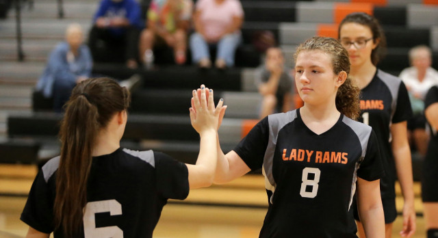 Mineral Ridge Girls 7th Grade Volleyball beat Sebring Mc Kinley High School 2-0