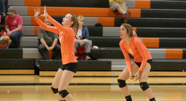 Mineral Ridge High School Girls Varsity Volleyball falls to Southeast High School 3-1