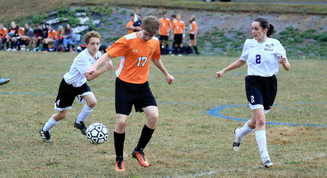 Mineral Ridge High School Boys Varsity Soccer beat Heartland Christian High School 9-0