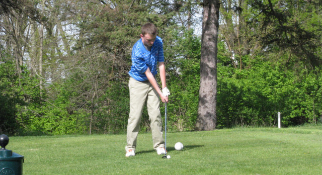 Chargers Top Hamilton in Golf