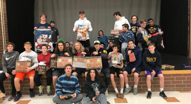 Lacrosse Team Helps Those in Need