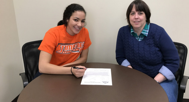 Murray signs with University of Jamestown