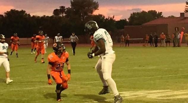 Highland High School Varsity Football beat Corona Del Sol High School 28-17