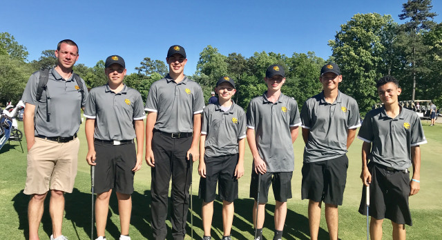 Golfers Hit the Road to State