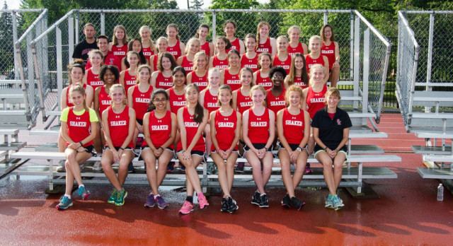 Shaker Heights High School Girls Varsity Cross Country finishes 3rd place