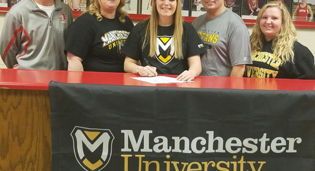 Mikalia signs to play at Manchester University