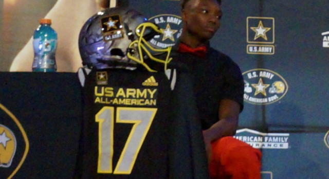 Henry Ruggs III Receives National Honor