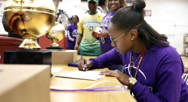 Ke'Aunna Johnson signs with Tarleton