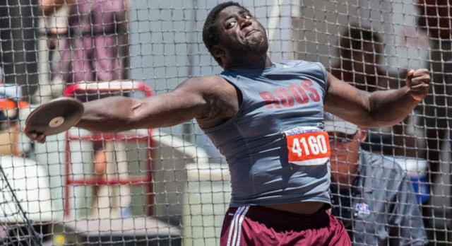 Roos' Smith takes Bronze in Discus