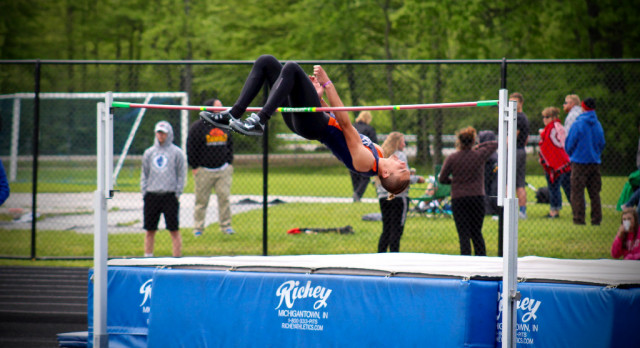 Titans Close OHSAA District Meet With 15 Qualifiers