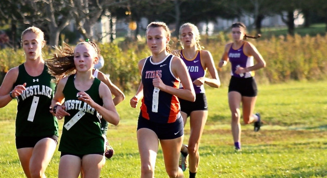 Jankowski Advances; Girls Finish 6th at District Meet