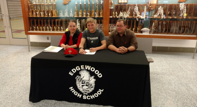 Denver Aydelot signs with Otterbein University