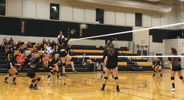Varsity Volleyball Chases State Competition