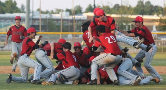 Varsity Baseball  Sweeps Up Post-Season Awards