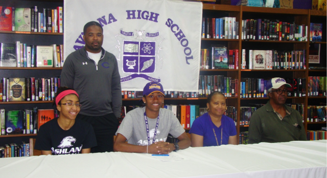 Perry signs letter of intent with Ashland