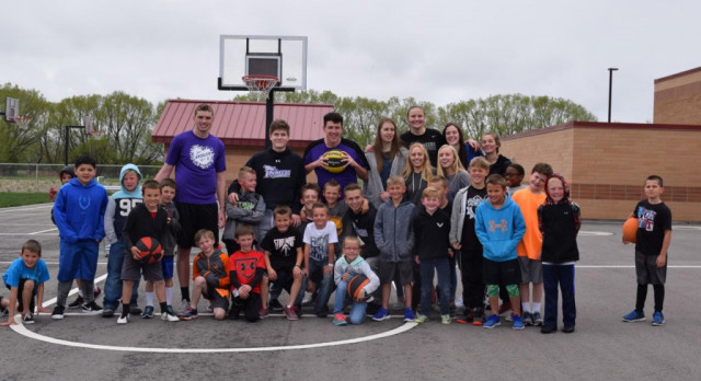 Boys and Girls Basketball Players Visit Dry Creek!!