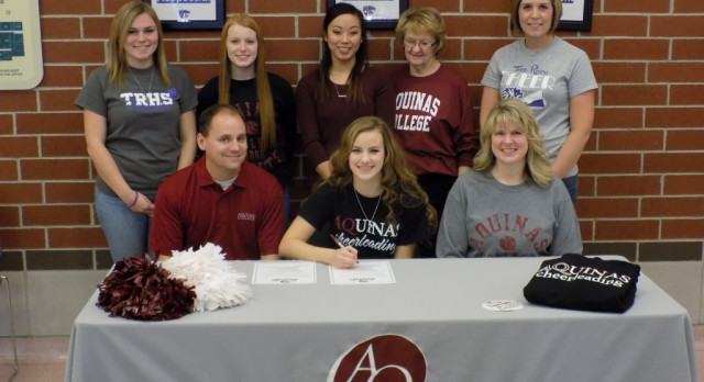 Mackenzie Deel Signs with Aquinas College