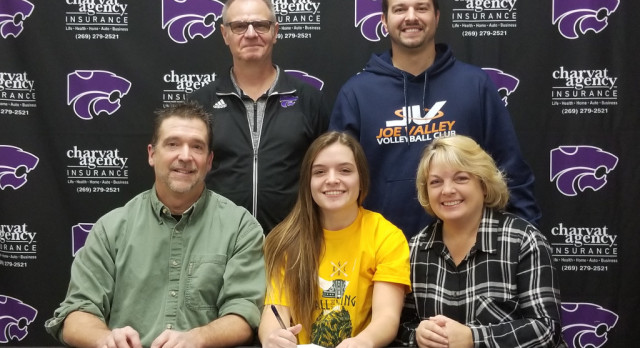 Volleyball: Hawkins signs with Glen Oaks CC