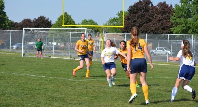 Girls Varsity Soccer beat Wyandotte 4-1