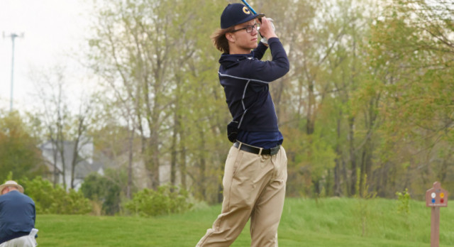 Boys Golf Narrowly Falls to Defending State Champ