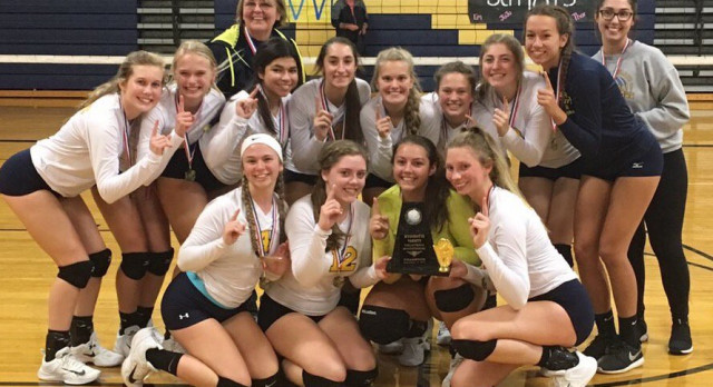 Volleyball Takes First at Wyandotte Invite