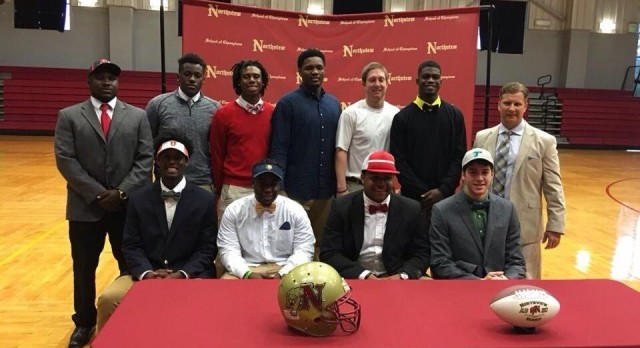 10 Cougars Ink Football Scholarships on NSD 16′