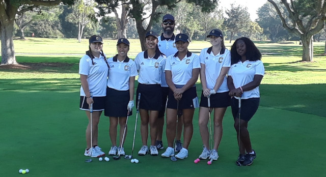 Girls Golfer's Advance to Round 2 League Finals