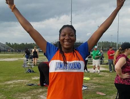 Track and Field – Nelson Shatters School Record!