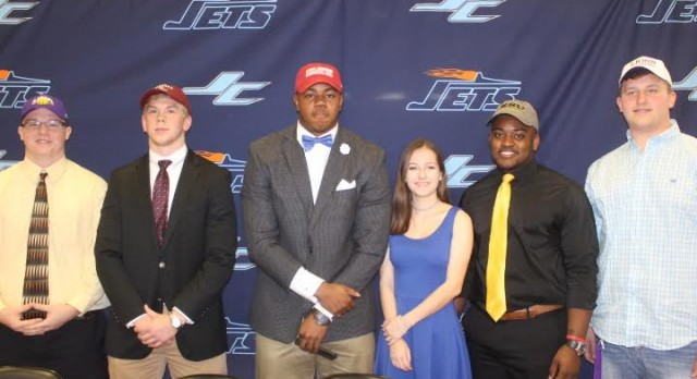 Jets Sign Six To Play College Sports