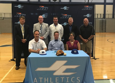 Barnes Signs With Bevill State For Baseball