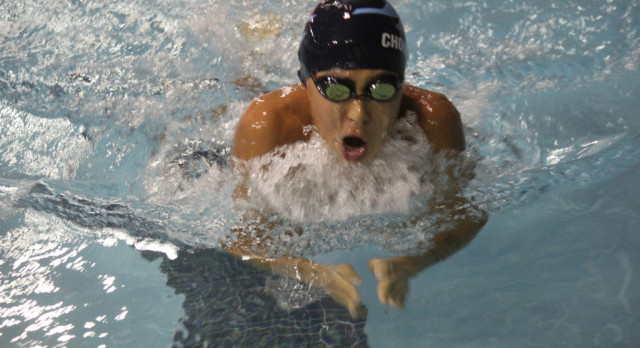 JCHS Men's Swim Off To Fast Start