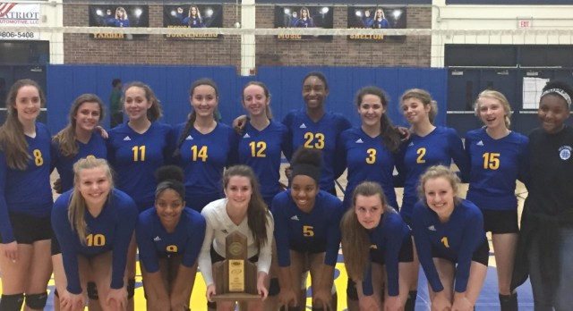 No. 4 Volleyball wins 42nd District Title