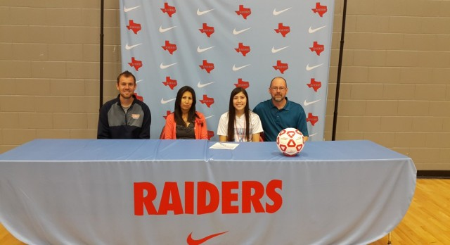 Girls Soccer Signs NLI