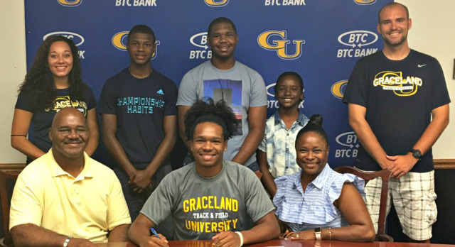 Irvaughn Dewberry signs with Graceland University, Story and pic by Tommy Bryan The Wilson Post